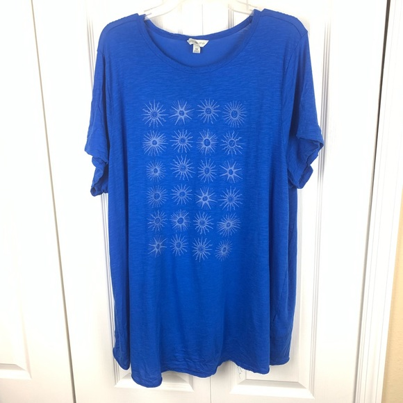 lucky lotus Tops - Lucky Lotus Graphic Tee